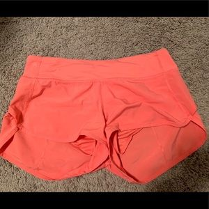 Lululemon Speed Shorts in Pink Size 6